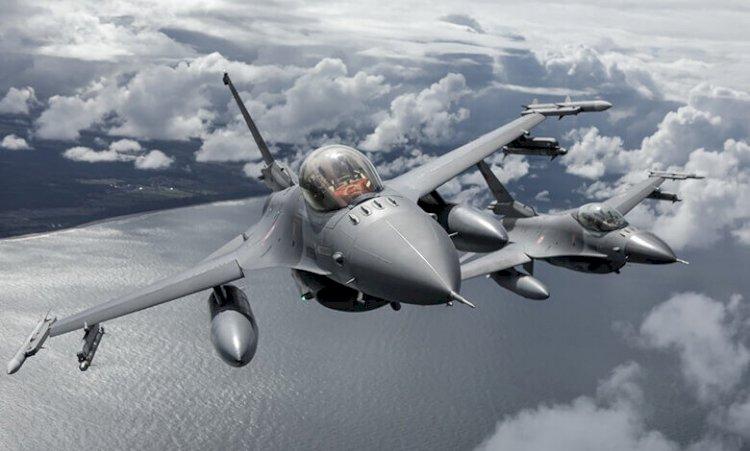 Türk F-16 Savaş Uçakları Polonya Semalarında Boy Gösterdi